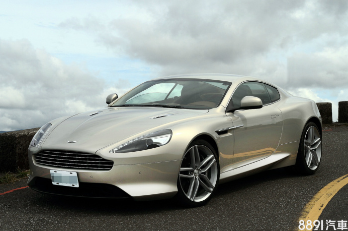 Aston Martin Virage 外觀圖片