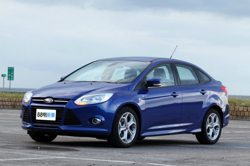 Ford Focus 4D