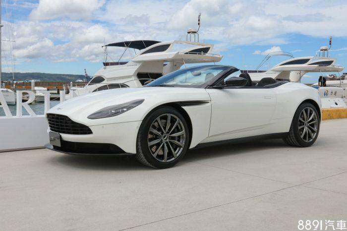 Aston Martin DB11 外觀圖片