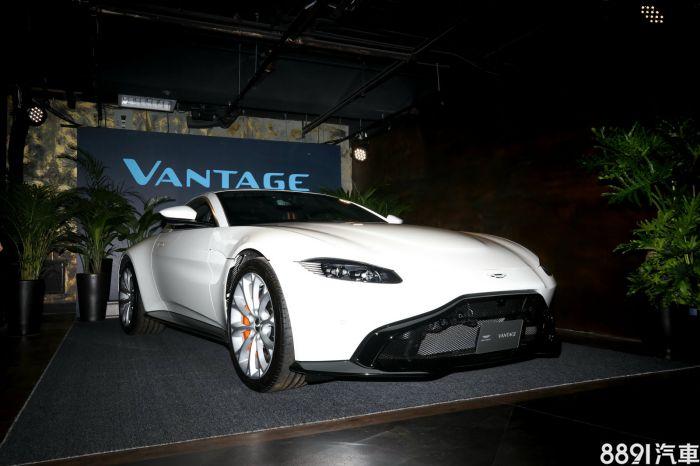 Aston Martin Vantage 外觀圖片
