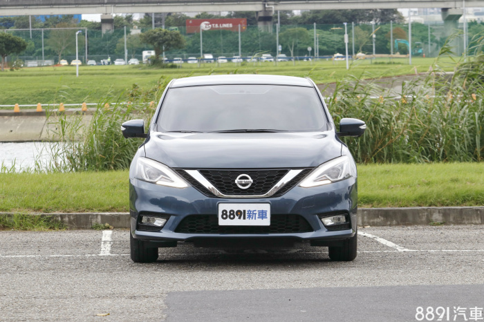 Nissan Sentra 外觀圖片