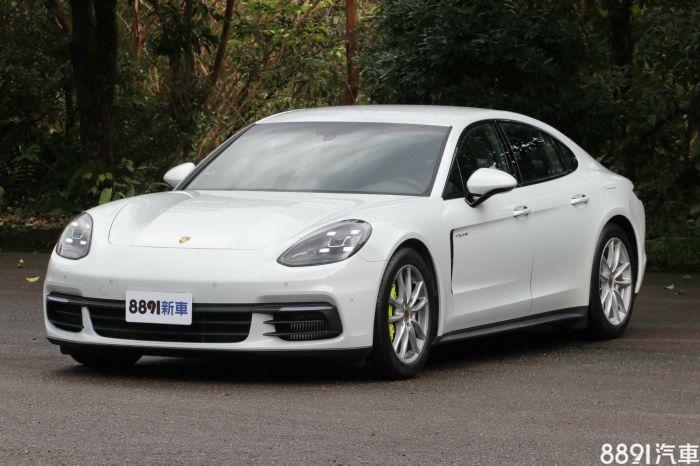 Porsche Panamera 外觀圖片
