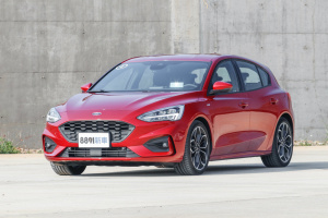 Ford Focus 5D 2018 EcoBoost180 頂級運動型